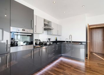 2 bed flat to rent in Telcon Way, London SE10