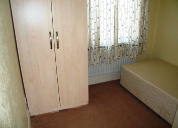 Thumbnail Room to rent in Kenilworth Avenue, Reading