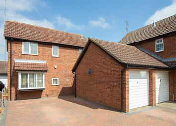 Thumbnail 4 bedroom detached house for sale in Fieldfare Green, Luton