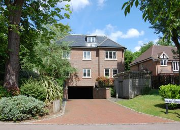 2 bed flat for sale in Park Grove, Knotty Green, Beaconsfield HP9