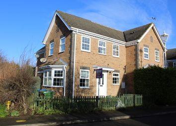 2 bed terraced house to rent in Avocet Way, Watermead, Aylesbury HP19