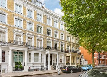 Thumbnail 3 bed flat to rent in Templeton Place, London