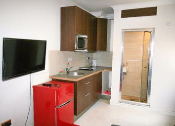 1 bed flat to rent in Worcester Gardens, Ilford IG1
