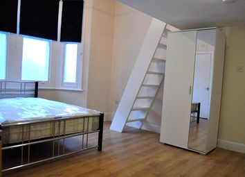 Thumbnail Studio to rent in Wolverton Gardens, London