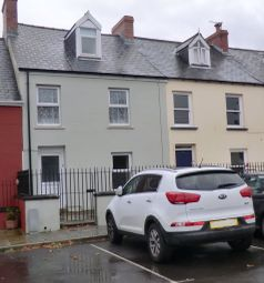 4 bed property to rent in Grove Place, Haverfordwest, Pembrokeshire SA61