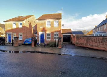 3 bed detached house for sale in Somers Lees, Aylesbury HP19
