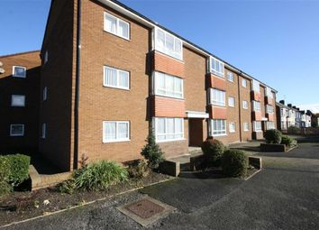 Thumbnail 2 bed flat to rent in 187 Kingston Road, Willerby