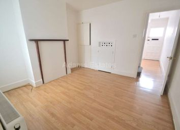 2 bed terraced house to rent in Amity Road, Reading RG1