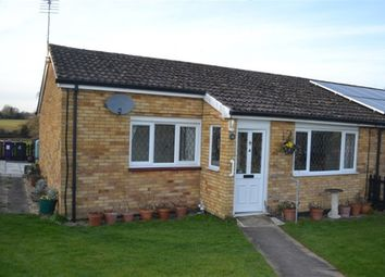 Thumbnail Bungalow to rent in Orchard Way, Breachwood Green, Hitchin