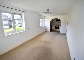 Thumbnail Studio to rent in Crombie Close, Cowplain, Waterlooville