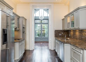 5 bed terraced house to rent in Sydney Place, London SW7