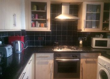 Thumbnail 3 bed flat to rent in Old Castle Street, London