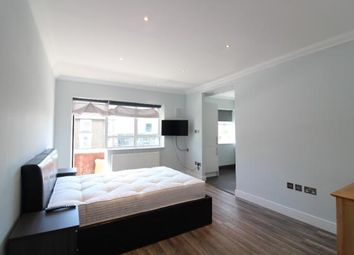 Thumbnail 3 bed flat to rent in Brecknock Road, Tufnell Park
