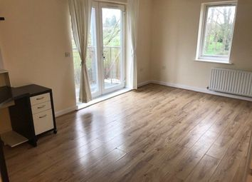 2 bed flat to rent in Turnham Road, Crofton Park, London SE4