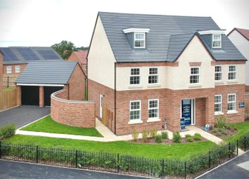 Thumbnail 5 bed detached house for sale in Vickers Way, Warwick