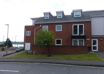 Thumbnail 2 bed flat to rent in Elmhurst Road, Fareham