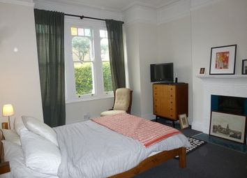 2 bed maisonette to rent in Franciscan Road, Tooting Bec, London SW17