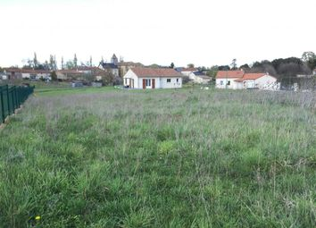 Thumbnail Property for sale in Poitou-Charentes, Vienne, Pressac
