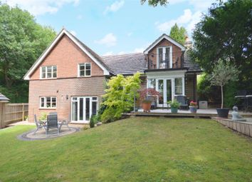 Silver Close, Kingswood, Tadworth KT20. 4 bed detached house