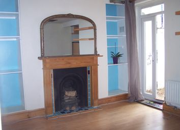 Thumbnail 1 bed flat to rent in Mosslea Road, Penge, London