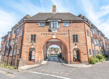 3 bed flat to rent in Condor Court, Guildford GU2