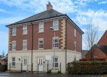 Thumbnail 6 bed town house to rent in Shinfield, Reading