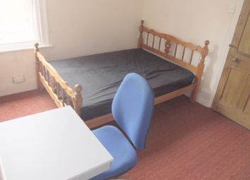 Thumbnail 4 bedroom terraced house to rent in Liverpool Road, Reading