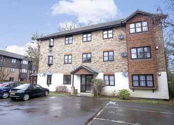1 bed flat to rent in Rushmon Gardens, Walton-On-Thames KT12