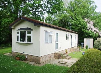 Thumbnail 2 bed mobile/park home for sale in Siskin Avenue, Turners Hill, West Sussex