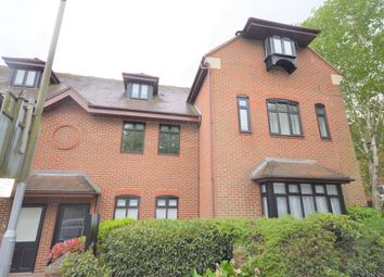 Thumbnail 1 bed flat to rent in Station Road, Amersham, Buckinghamshire