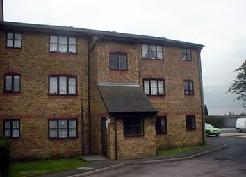 Thumbnail 1 bed flat to rent in Falcon Avenue, Grays