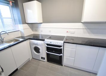 1 bed maisonette to rent in Lovegrove Drive, Slough SL2
