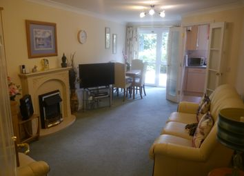 Thumbnail 1 bed flat to rent in Milward Court Warwick Road, Reading