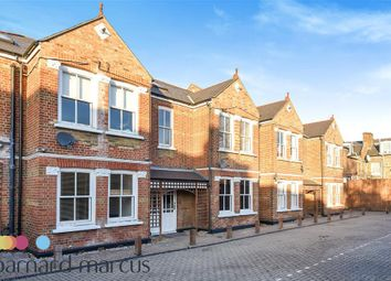 Thumbnail 2 bed flat to rent in Steele Road, Chiswick, London