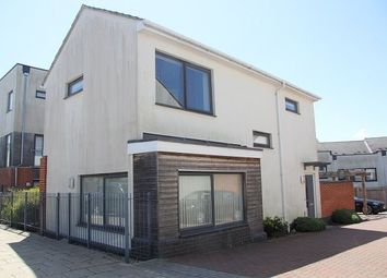 Thumbnail 2 bed detached house to rent in Kettle Street, Colchester