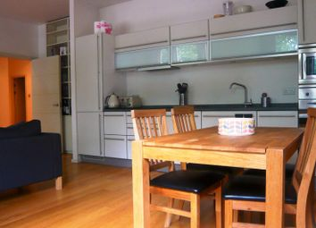 Thumbnail 2 bed flat to rent in Richmond Terrace, Brighton