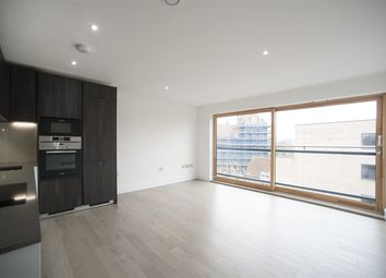 Thumbnail 2 bed flat to rent in W6