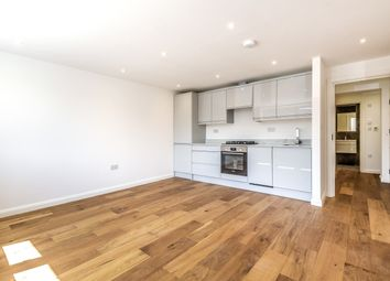 Thumbnail 2 bedroom flat for sale in Framlingham Crescent, London