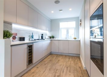 4 bed town house to rent in Thames Street, Weybridge KT13