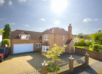 Thumbnail 5 bedroom detached house for sale in Parkgate Crescent, Hadley Wood