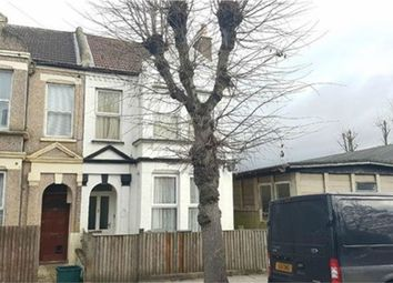 Thumbnail 2 bedroom flat to rent in Spring Lane, Woodside, Croydon