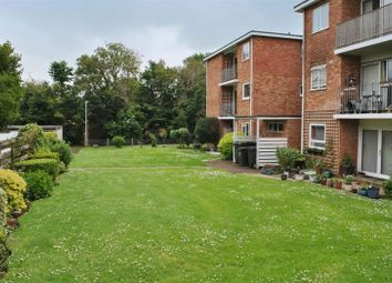 Thumbnail 2 bed flat to rent in 2 Double Bedroomed Flat, Wiltshire Close, Taunton