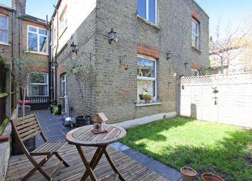 Caldecot Road, Camberwell, London SE5. 2 bed maisonette for sale