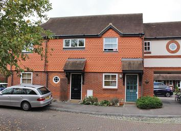 Thumbnail 3 bed maisonette to rent in Pangbourne Place, Pangbourne, Reading