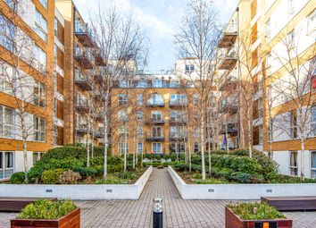 Bromyard Avenue, London W3. 2 bed flat for sale
