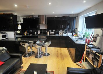 Thumbnail 5 bed maisonette to rent in St Annes Road, Headingley