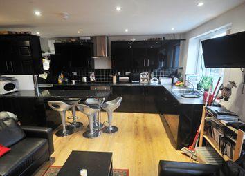 Thumbnail 5 bedroom maisonette to rent in St Annes Road, Headingley