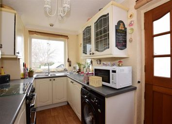 Thumbnail 2 bed cottage for sale in Lower Higham Road, Chalk, Gravesend, Kent