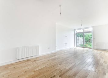 Thumbnail 3 bed flat to rent in Meopham Road, Mitcham