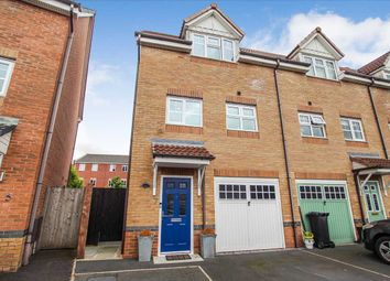 3 bed town house for sale in Madison Gardens, Westhoughton, Bolton BL5